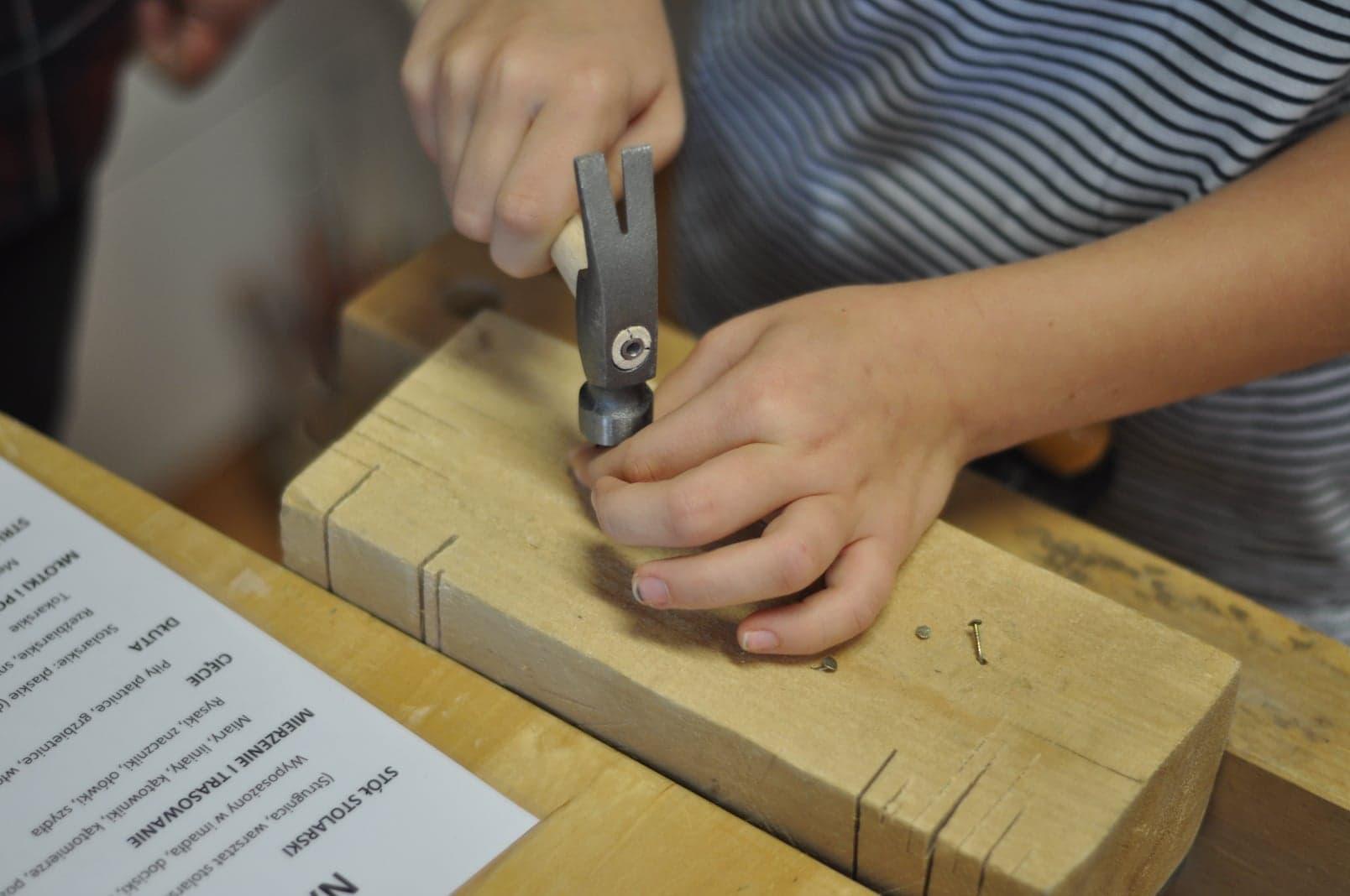 Obróbka drewna – warsztaty w szkole